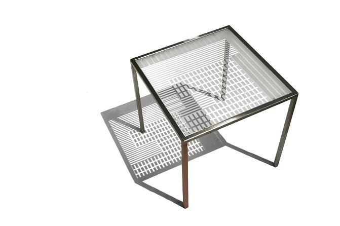 Birgitta Aßhauer: Tisch Unikat, Stahl und Glas (ESG), Foto Mareike Graf