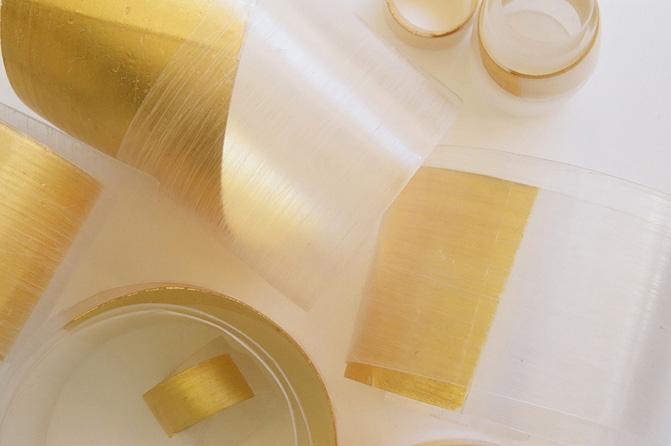 Spiralbänder, Kunststoff, Feingold, Foto: Marion Heilig