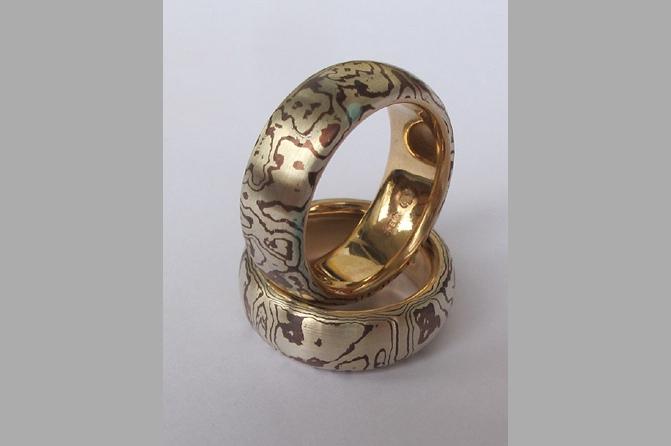2 Ringe in Mokume Gane  Gold 750 - Silber 925 – Kupfer, Foto: Esther J. Wildi